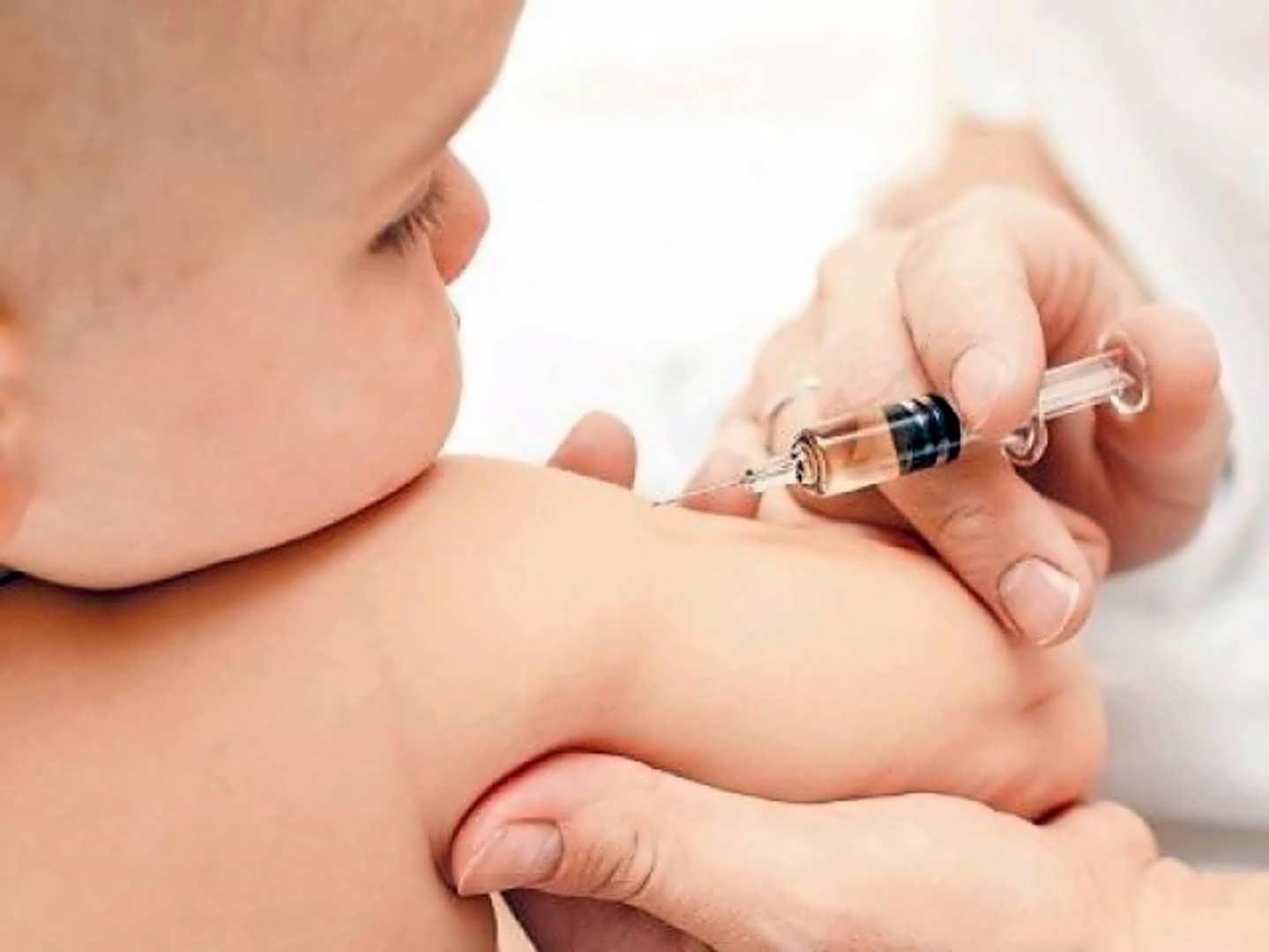 التطعيمات الإضافية للأطفال