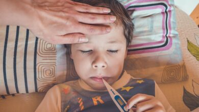 Photo of كل ما تريد معرفته عن اسباب السخونة عند الاطفال وطرق علاجها